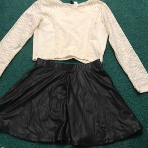 ... Black mini circle skirt ... 6d90ab34459e